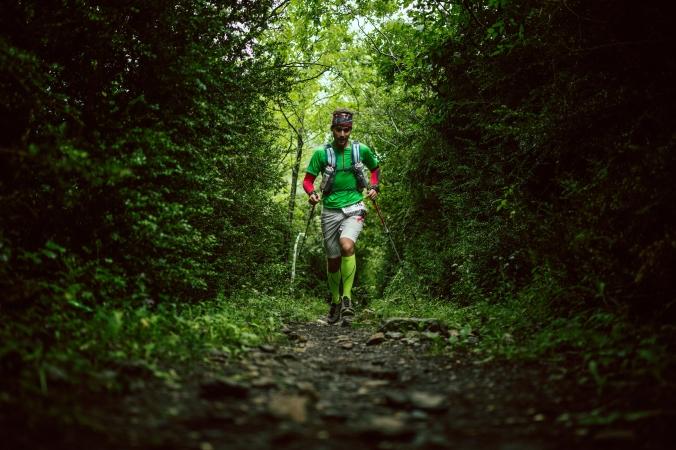 Prvních 8km lesem (foto: Jordi Saragossa)