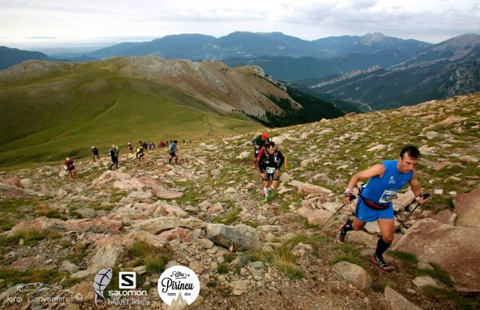 Konec prvního kopce, pěkně na husto (Foto: Jordi Canyameres)
