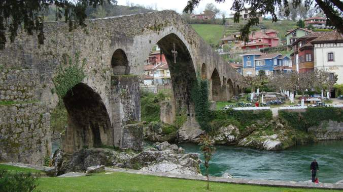 Puente Romano v Cangas de Onís