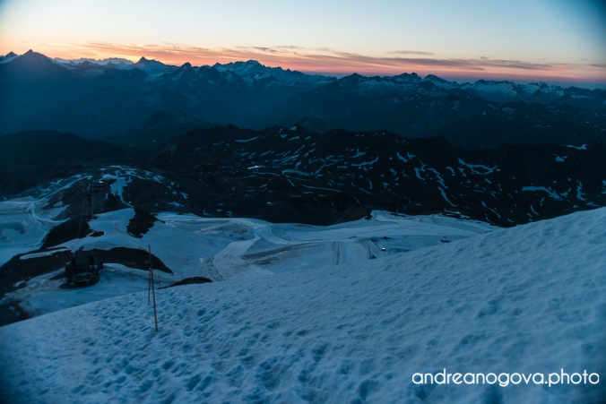 Svítání v Alpách, Blaník na dohled, my se suneme nahoru